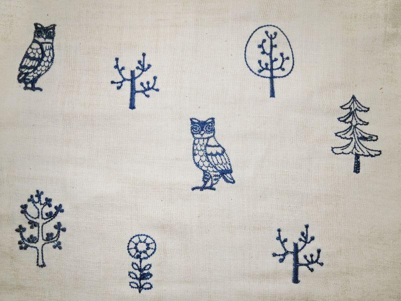 画像1: 【ダブルガーゼ】051600■約85cmハギレ フクロウ フォレスト刺繍柄 B 生成り地に青刺繍