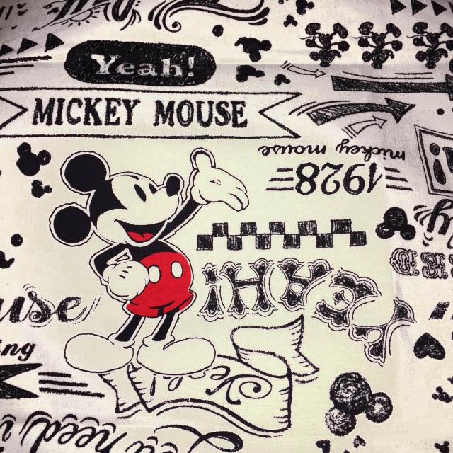 画像1: 【11号ハンプ】041802■約48cmハギレ ミッキーマウス ブラックボードアート柄 生成り地 帆布