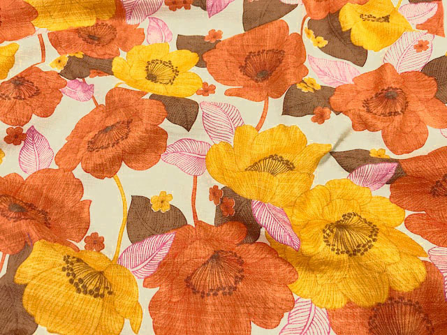 画像1: 【バニラン】081809■約75cmハギレ レトロフラワー  A.オレンジ×マスタード花