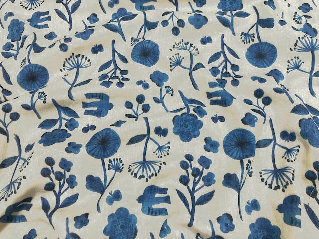 画像1: 【ダブルガーゼ】092605■約2mハギレ リトルボタニカル花と鳥 ライトグレー地