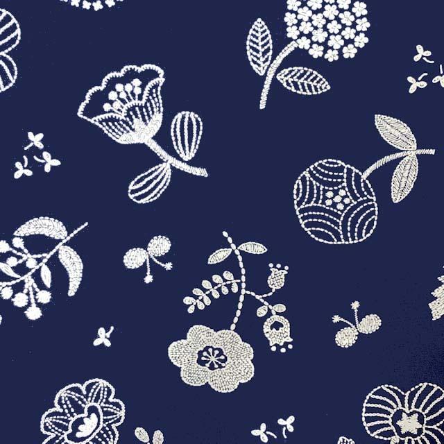 画像1: §【ナイロンオックス】21470■約48cmハギレ:A.ネイビー 蝶と花 刺繍風プリント